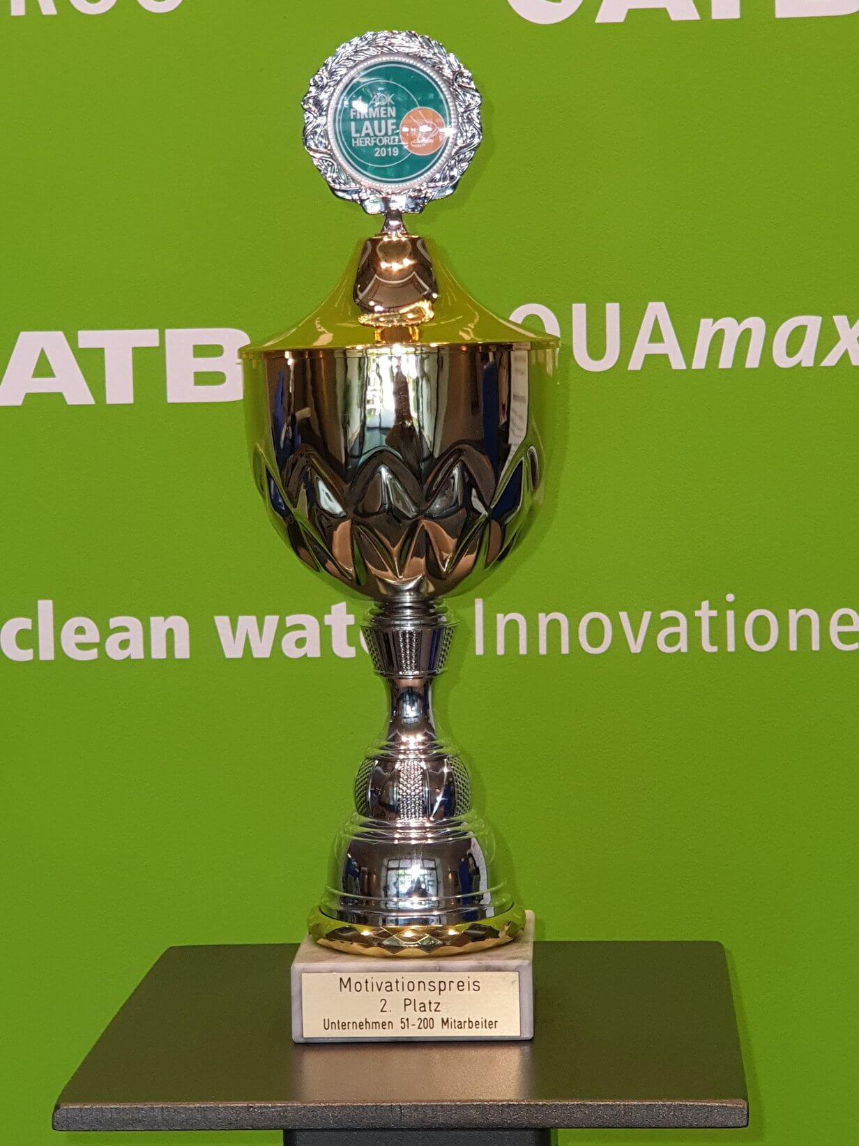 Pokal für die Teilnahme am Firmenlauf