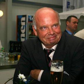 Gründer Dagobert Baumann auf der Einweihungsfeier