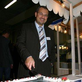 Einweihungsfeier des Umbaus mit Torte